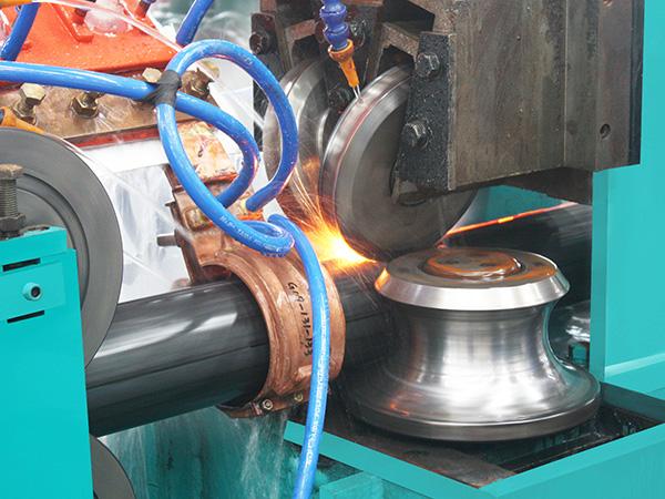方管生产线设备挤压辊划伤钢管